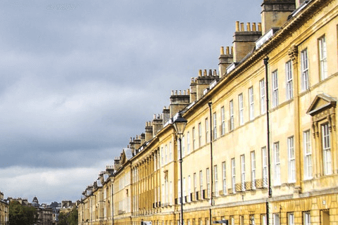 Walk in Jane Austen's footsteps - Walking tour in Bath with Diana White